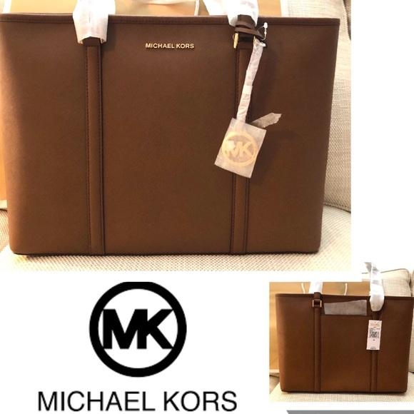 Michael Kors Handbags - Michael KORS Tote Sady LEATHER LARGE Bag